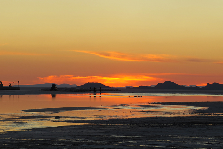 Experience the Sunset or Sunrise at the Uyuni Salt Flats